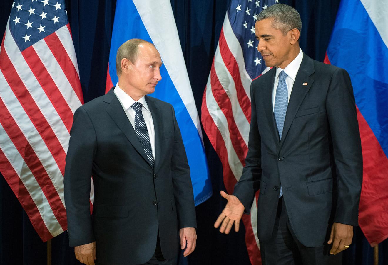 Владимир Путин и Барак Обама во время встречи после 70-й сессии Генеральной Ассамблеи ООН.