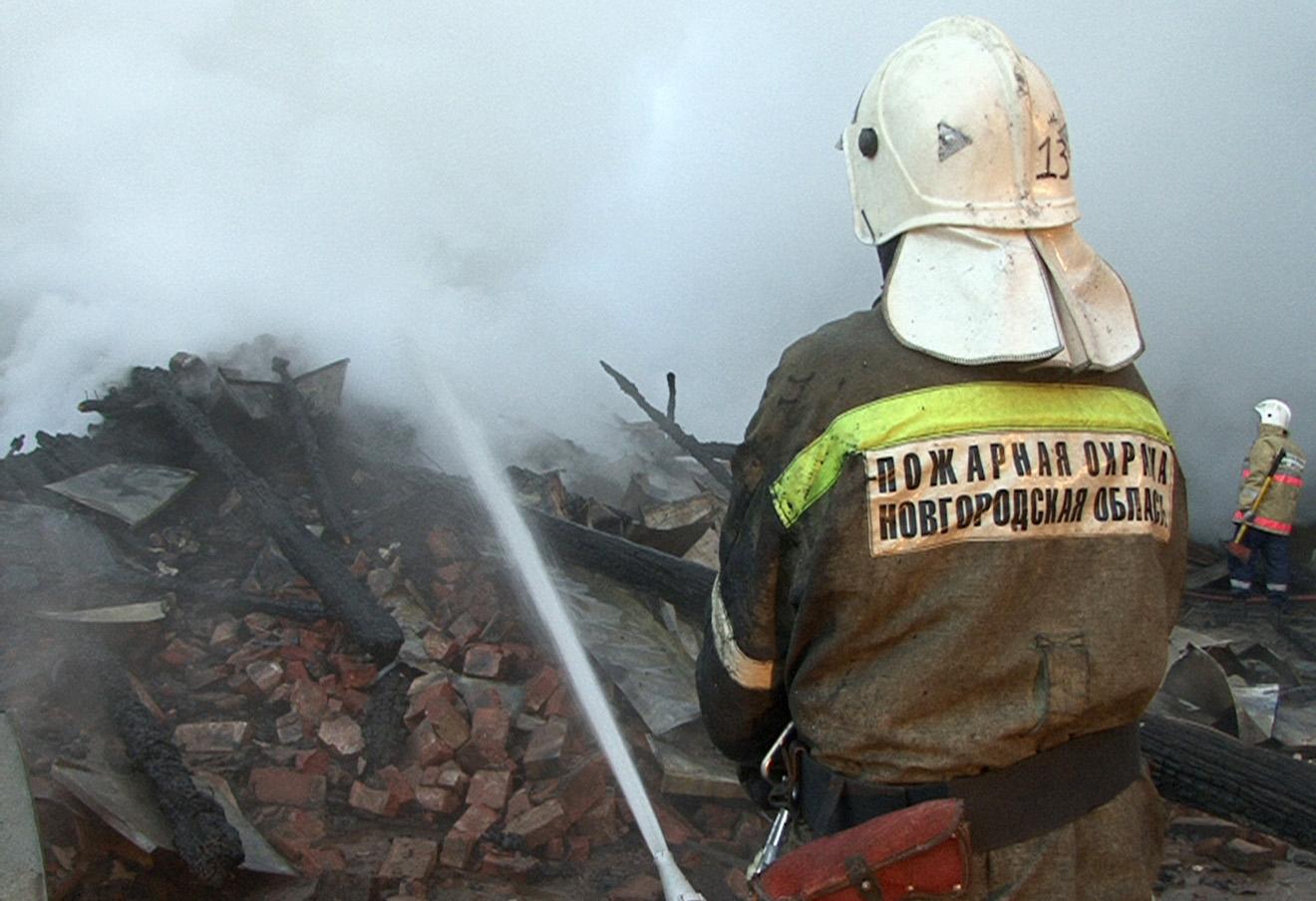 На месте пожара в психоневрологическом интернате «Оксочи» в деревне Лука, 13 сентября 2013 года.