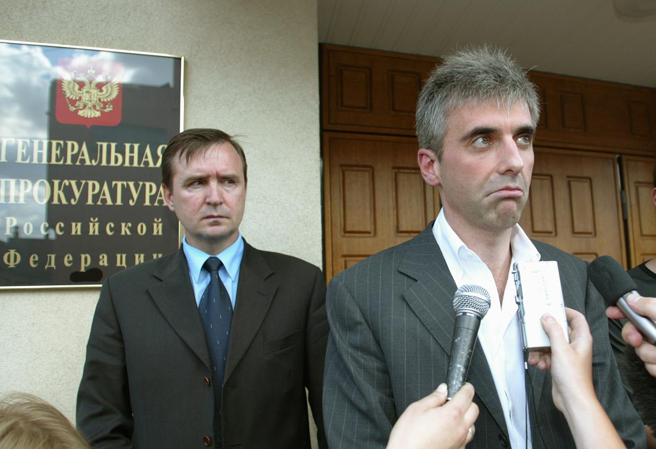 Леонид Невзлин (справа), 2003 год.