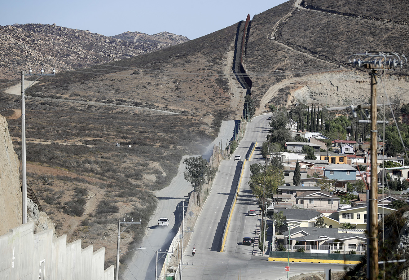 Граница Мексики и США. Фото: Gregory Bull / AP / East News