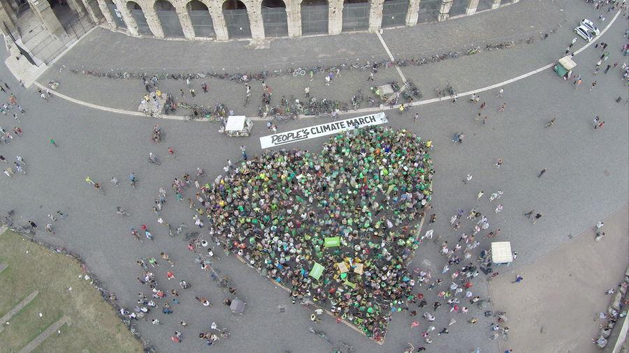 RomeColloseumHeart_Rome_Italy_AndreaBozz