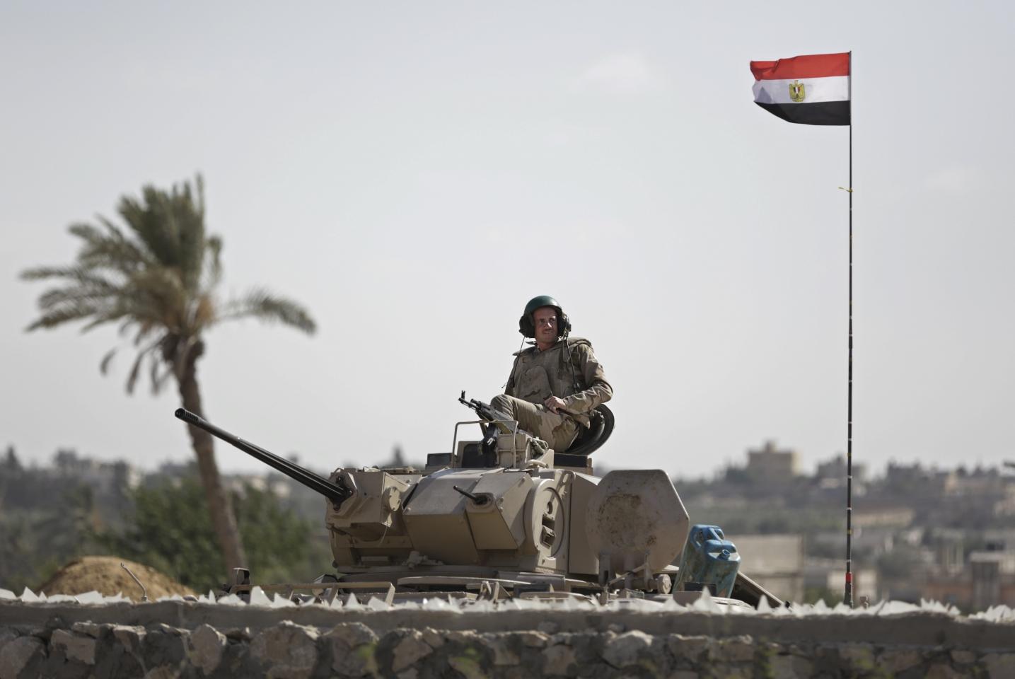 Боевики атаковали банк наСинае, сообщается опогибших